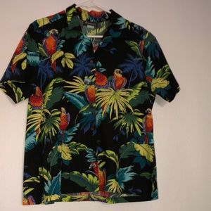 Puanani Parrot Hawaiian button up size Large